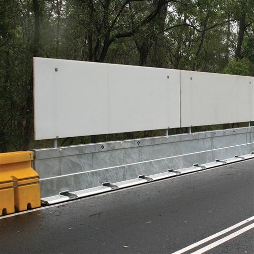 Zoneguard™ temporary metal crash barrier